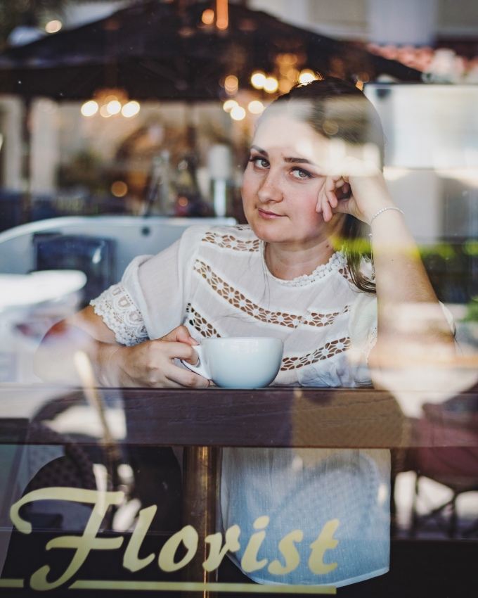 Ann's Florist and Coffee Bar | Grad Photos